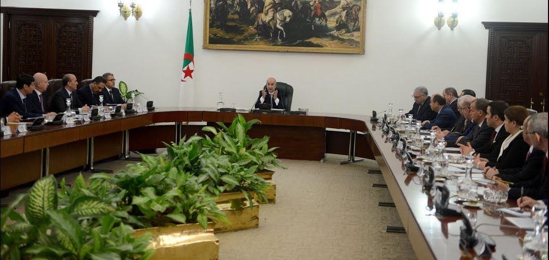 Photo of Covid-19: le président Tebboune prend une série de mesures complémentaires