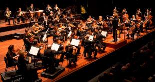 L'Orchestre de l'Opéra d'Alger présente la Symphonie No 8 du compositeur Antonin Dvorak