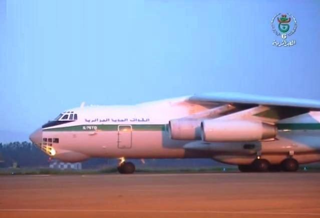 Photo of وصول الطائرة العسكرية الجزائرية المحملة بمساعدات طبية من الصين