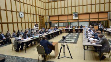 Photo of لجنة المالية توافق على تخفيف الزيادات على رسوم السيارات الصغيرة