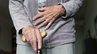 Photo of تخصيص نسبة من الكمامات المنتجة بمراكز التكوين المهني للمسنين المقيمين بمراكز التضامن الوطني