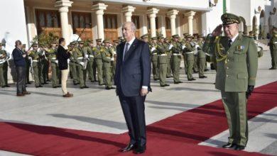 Photo of رئيس الجمهورية يشرف على مراسم تسمية مقر أركان الجيش باسم المرحوم قايد صالح
