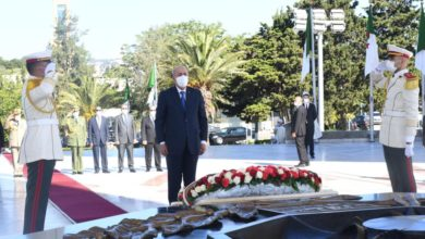 Photo of Le président de la République se recueille à la mémoire des martyrs de la guerre de libération nationale