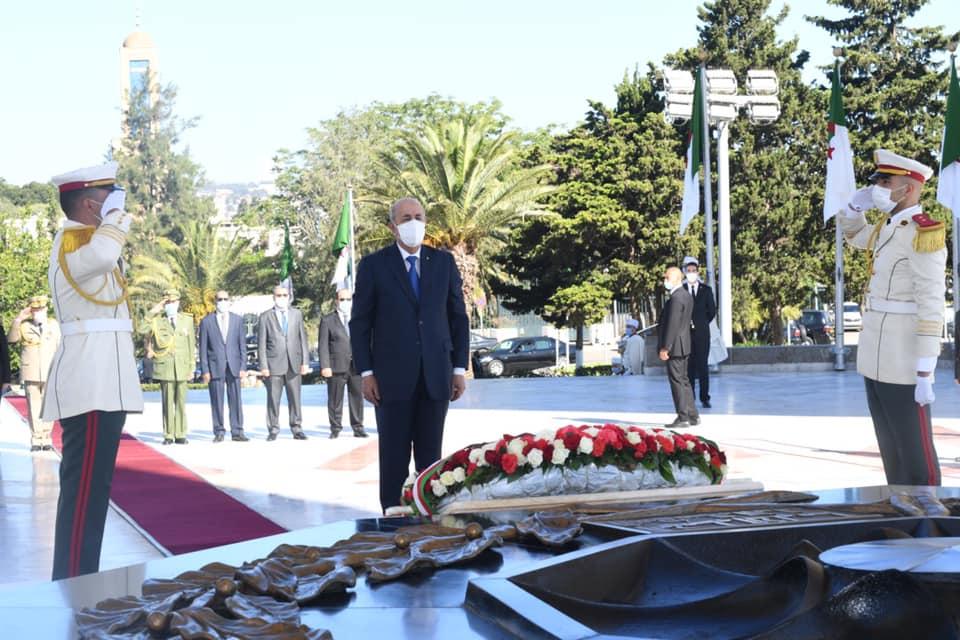 Le président de la République se recueille à la mémoire des ...