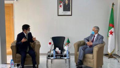 Photo of وزير الصناعة يستعرض مع سفير اليابان بالجزائر العلاقات الإقتصادية الثنائية