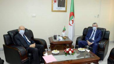 Photo of وزير الإتصال عمار بلحيمر يستقبل الرئيس المدير العام لمجمع سفيتال يسعد ربراب