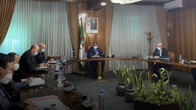 Photo of الوزير الأول ينصب لجنة تقييم أضرار حرائق الغابات للتكفل بوضعية المواطنين ضحايا الحرائق