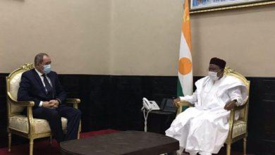 Photo of وزير الشؤون الخارجية يُستقبل من طرف رئيس جمهورية النيجر محمدو إيسوفو