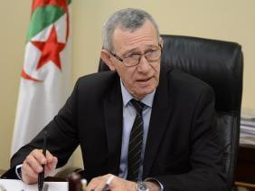 Photo of وزير الإتصال يعزي في وفاة البروفيسور الراحل عبد المجيد مرداسي