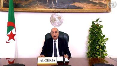 "Photo of رئيس الجمهورية يثمن دور ""المرأة الجزائرية"" في مسيرة البناء الوطني"