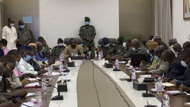 Photo of مالي: المجلس العسكري يعلن الإتفاق على مرحلة انتقالية لمدة 18 شهرا