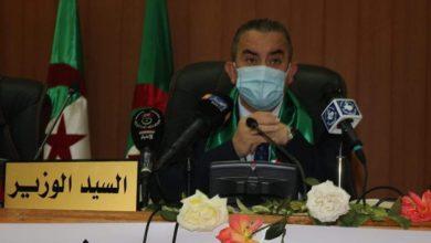 Photo of وزير الموارد المائية أرزقي براقي يبحث مع السيد كريم يونس سبل إيجاد حلول لمشاكل قطاعية