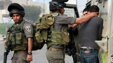 Photo of قوات الاحتلال الإسرائيلي تعتقل 7 فلسطينيين بينهم طفلين