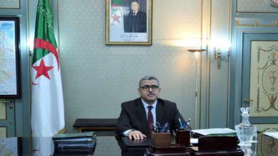 Photo of الوزير الأول يُعزي في وفاة وزير الإتصال الأسبق عبد الرشيد بوكرزازة