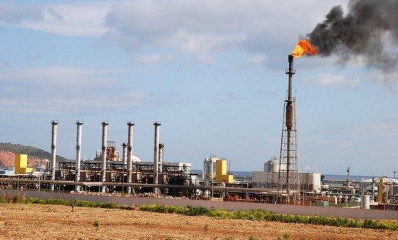 Photo of ارتفاع أسعار النفط بـ 5 في المئة بسبب تنامي الطلب