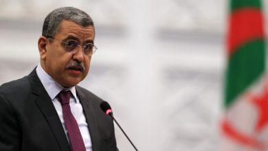 Photo of الوزير الأول يُشرف غدًا الإثنين على توزيع 5 آلاف وحدة سكنية بالعاصمة