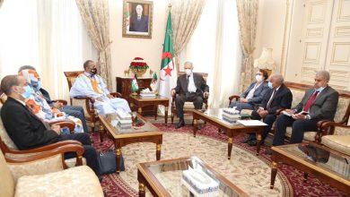 Photo of رئيس مجلس الأمة يستقبل وفدًا برلمانيًا صحراويًا