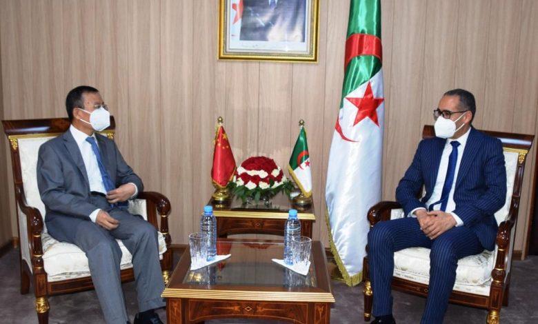 Photo of الاتفاق على تسليم الهياكل الرياضية في الآجال المعقولة بين الجزائر والصين