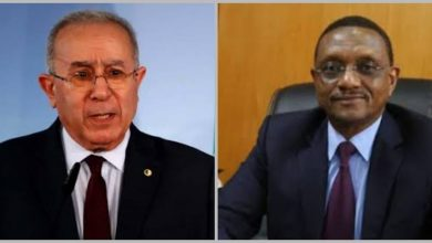 Photo of FM Lamamra discusses by phone with his Chadian counterpart bilateral relations and situation in the region