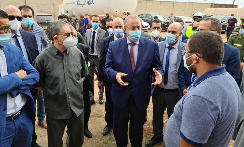 Photo of وزير الصناعة: مركب لإنتاج الأكسجين بطاقة 100 ألف لتر يوميًا بوهران يدخل حيز الخدمة الأسبوع القادم