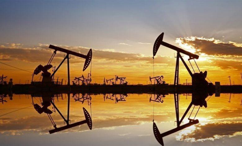 Photo of ارتفاع أسعار النفط بدعم من تراجع المخزونات الأمريكية