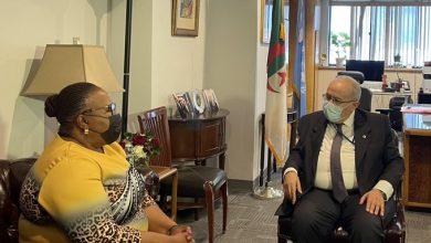 Photo of Lamamra examine avec son homologue du Lesotho les relations privilégies entres les deux pays