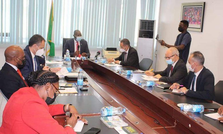 Photo of وزير الشباب والرياضة يجري محادثات مع نظيريه من نيجيريا ومصر