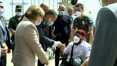 Photo of الوفد الرياضي الجزائري يحظى باستقبال رسمي بالمطار الدولي هواري بومدين