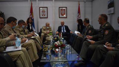 Photo of Le Général de Corps d'Armée évoque avec l'assistant du ministre de la Défense serbe pour les Ressources matérielles la coopération bilatérale
